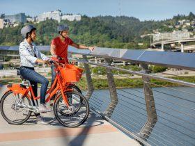 """ナイキのブランドカラー""""オレンジ""""のバイクタウンの自転車。©Motivate/BIKETOWN   https://www.biketownpdx.com"""