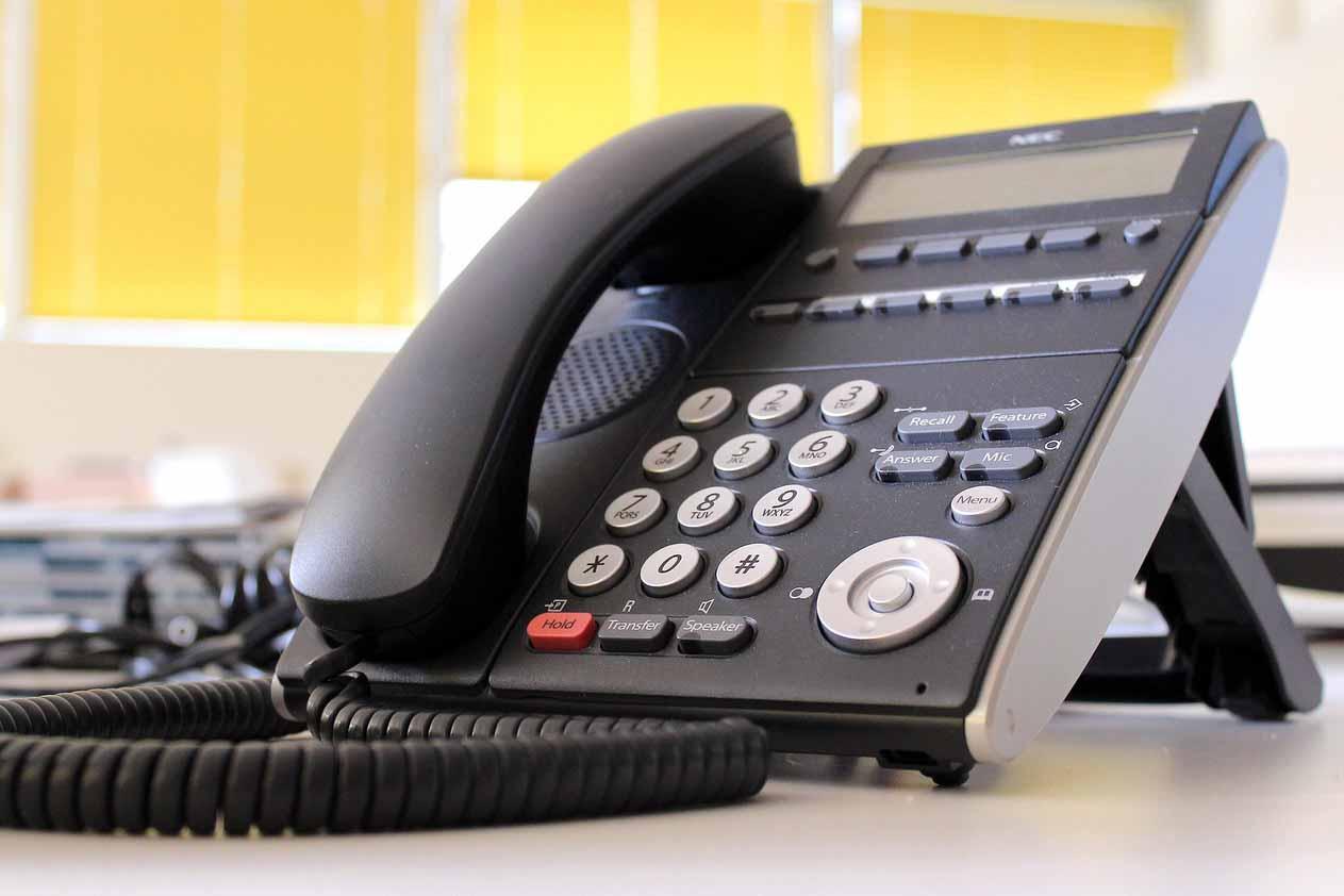 アドミンスタッフが使用する電話